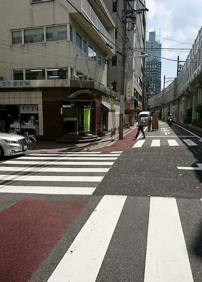 写真5・交差点を左に
